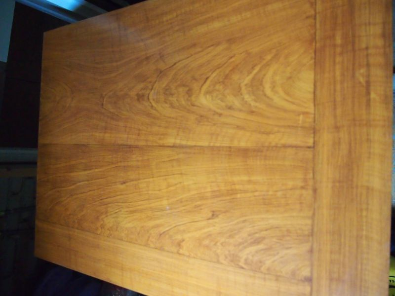 Artica decoratie hout en marmerimitaties - Scheiding in hout deco interieure ...